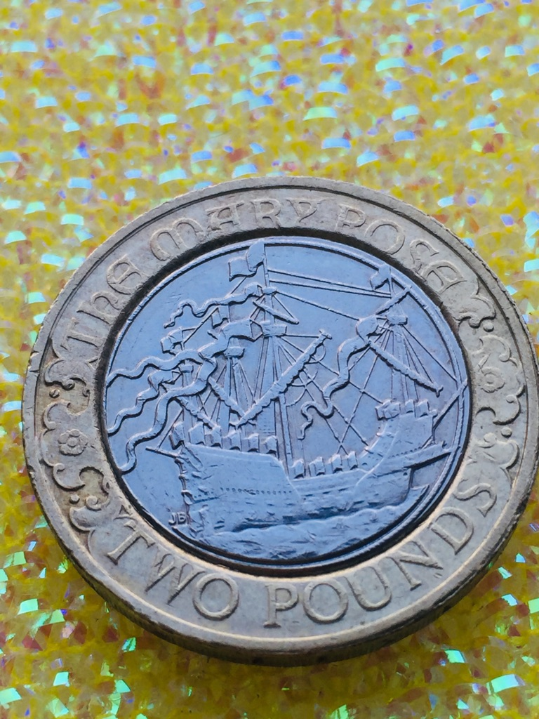 2 pound coin Mary rose 2011.