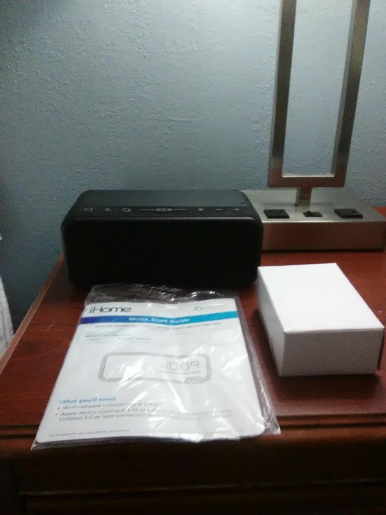 iHome Bluetooth bedside