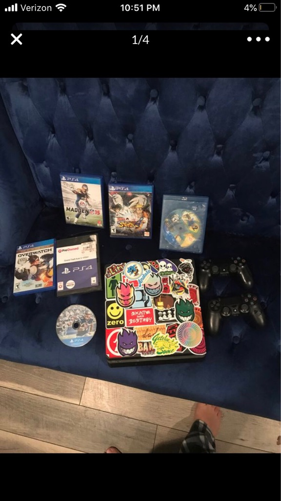 Ps4 slim 25+ games 2 controllers