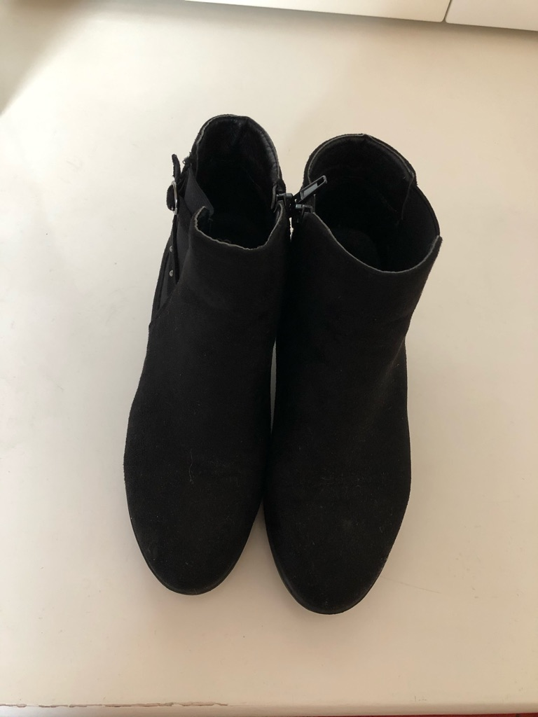 Black suede boots size 4