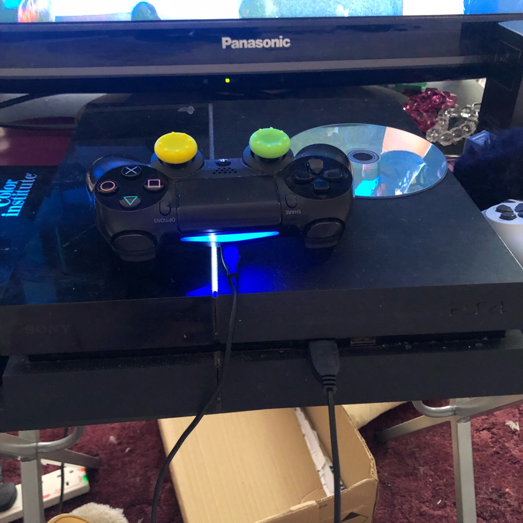 PS4 console 500GB slim