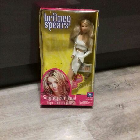Singing for you Britney Spears Oops...I Did It Again Doll