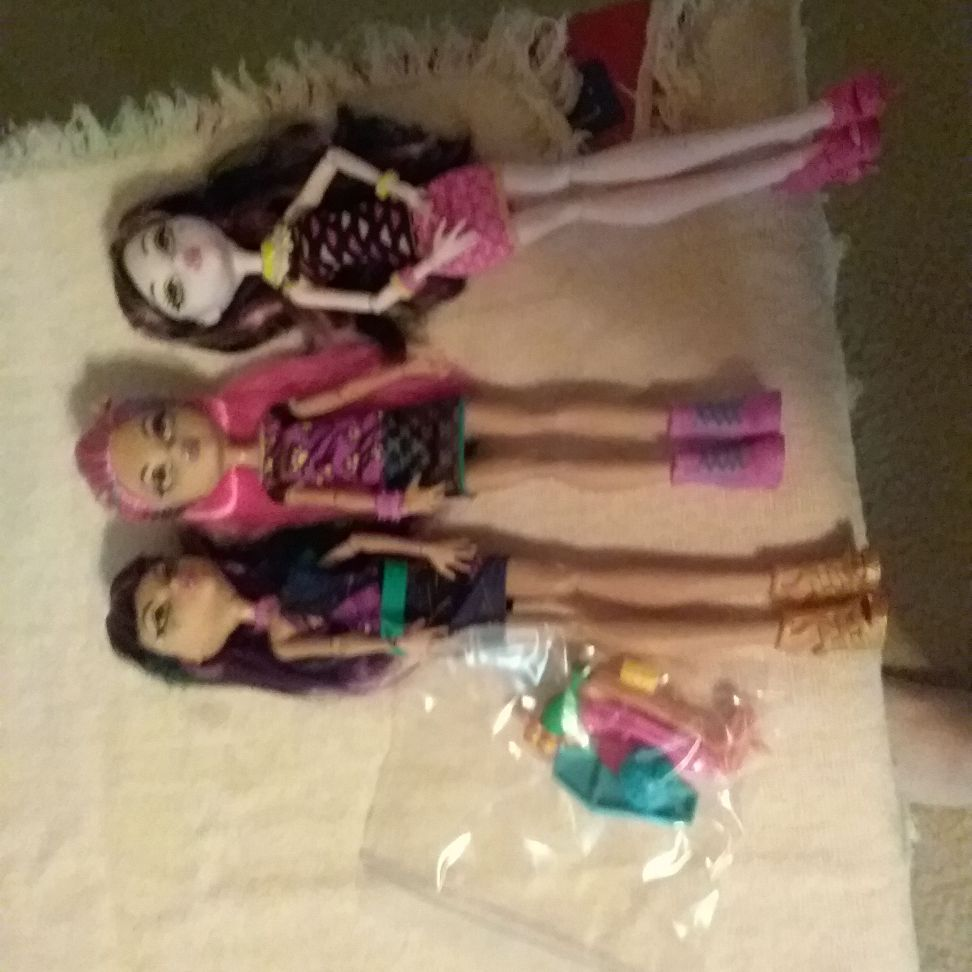 Cafeteria  monster high dolls