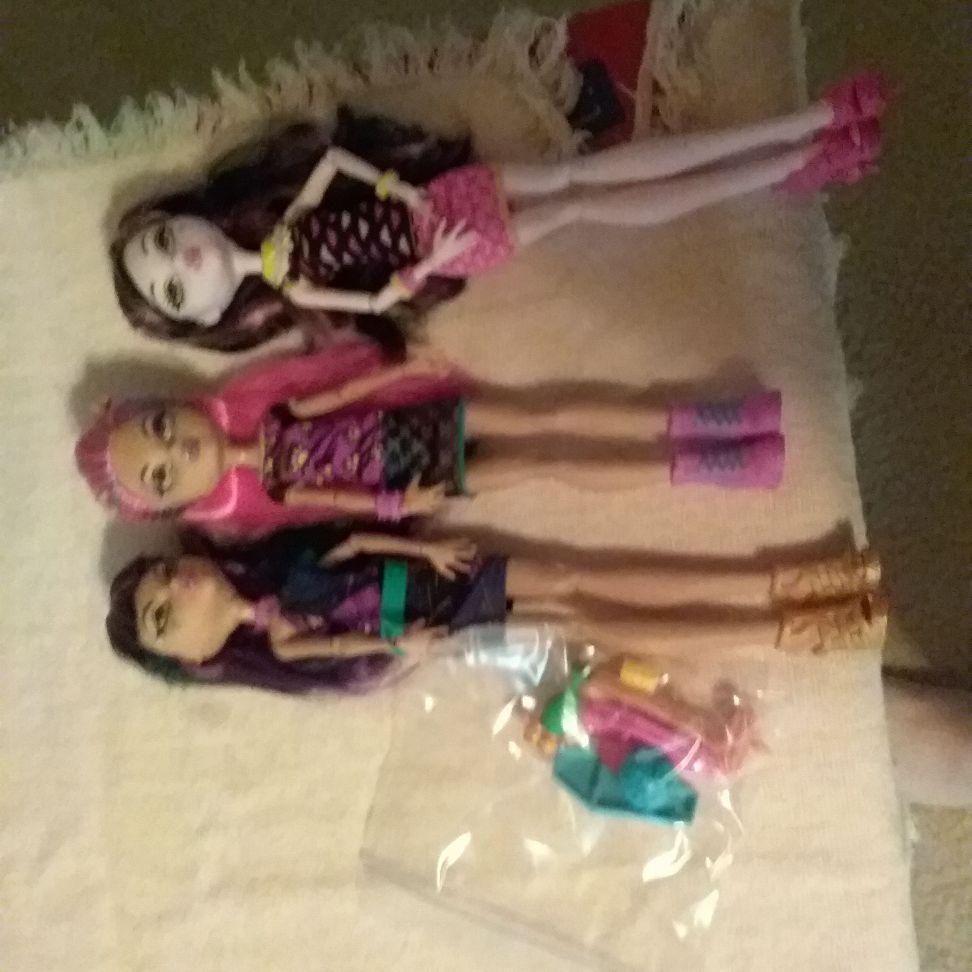 Cafeteria  monster high dolls