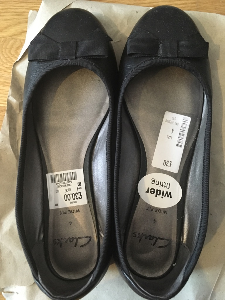 Selling great condition Clark's flats