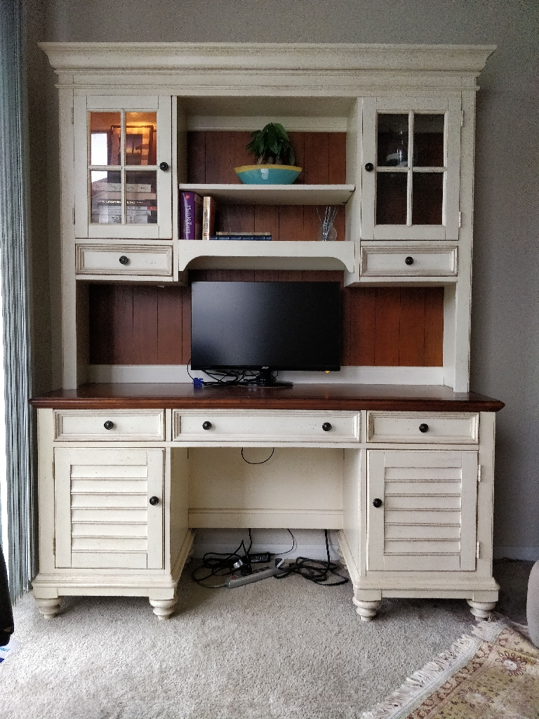 Havertys desk and hutch