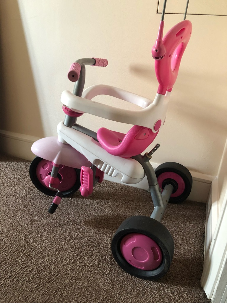 Kids tricycle with removable parents push handle bar