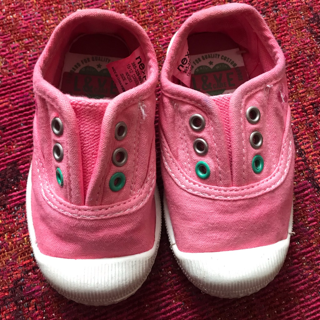 Infants Trainers Size 4