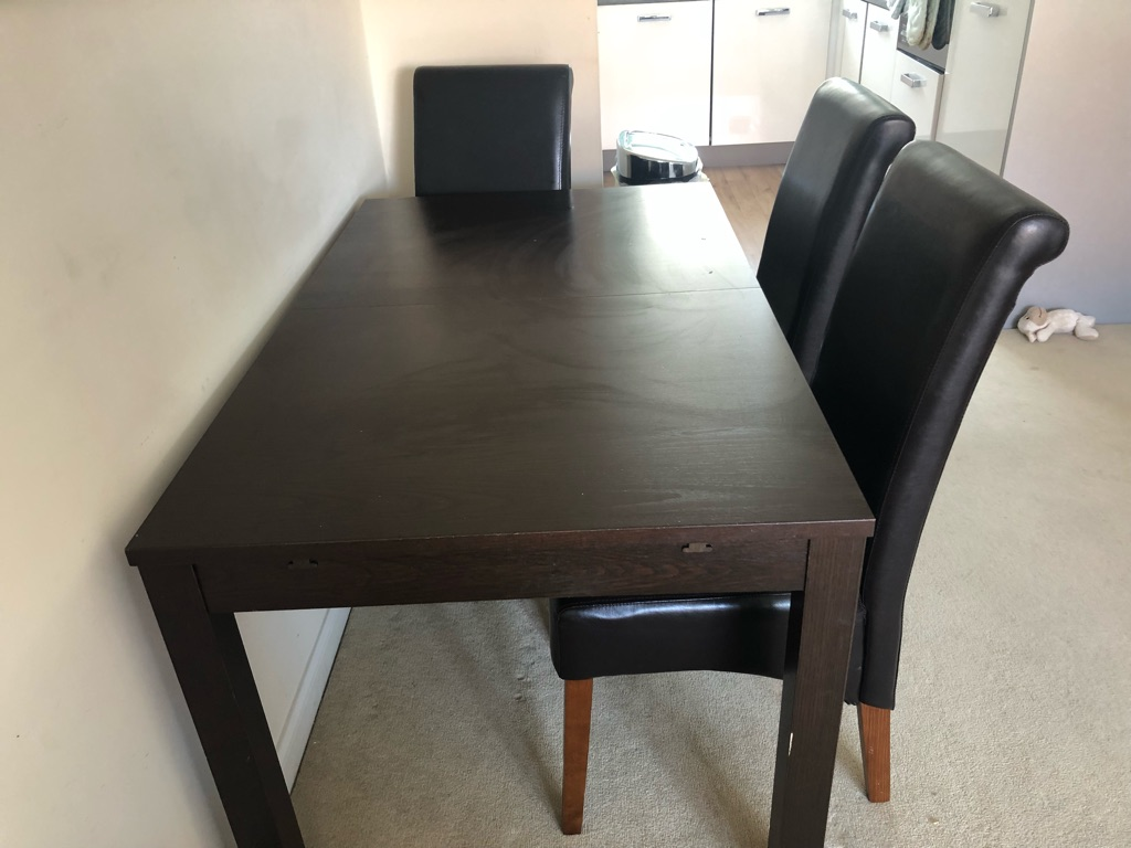 Extendable IKEA table and 6 chairs