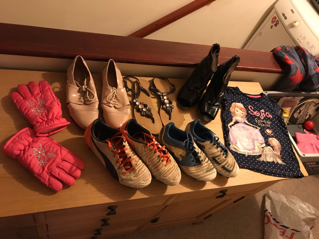 Items needed out the way ideal for resale and car boot