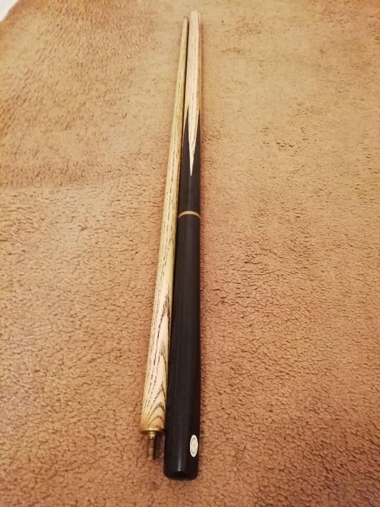 Barracuda 3 piece snooker/pool cue