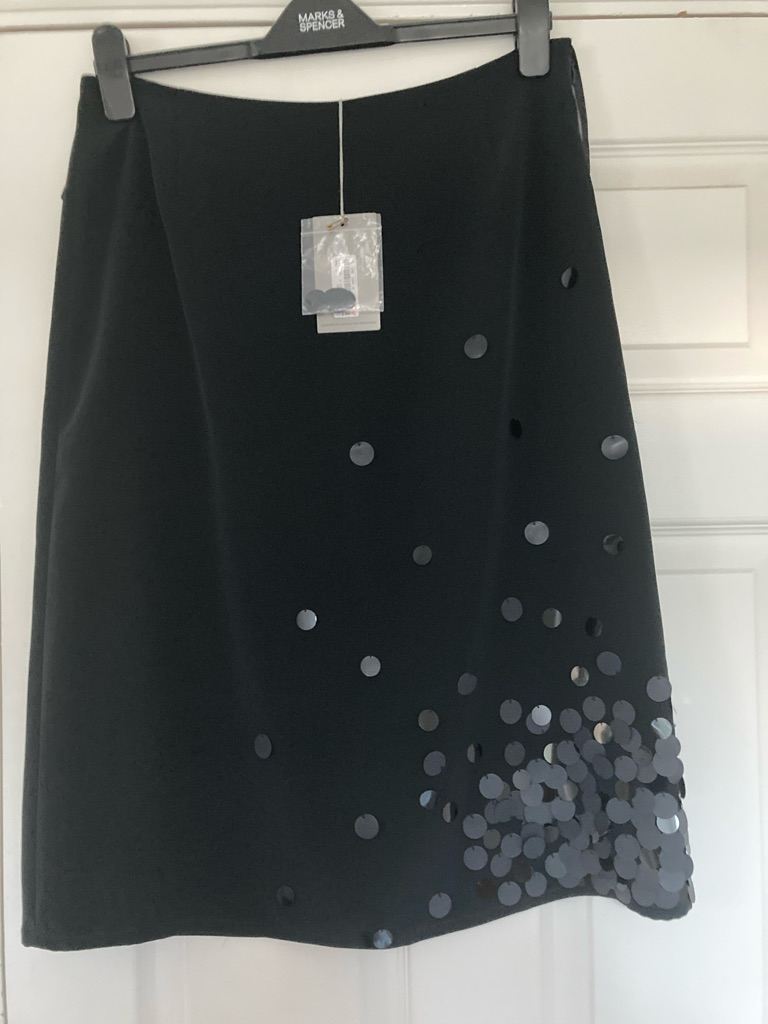 PEARCE FIONDA Beautiful Black Silky Fabric Lined Skirt