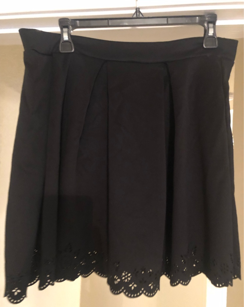 Used silky skirt with lace trim sz XL $8
