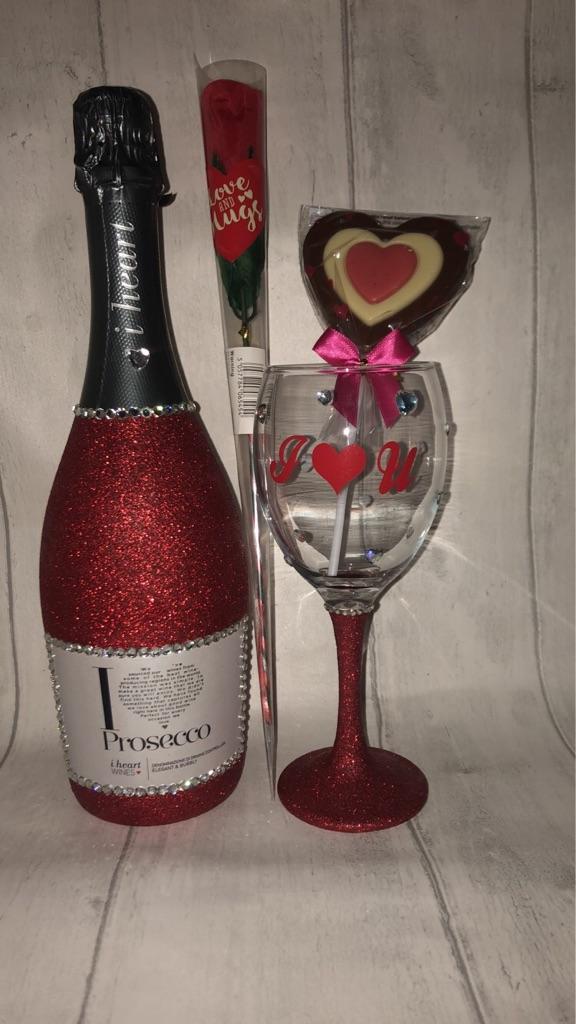 Valentines prosecco set