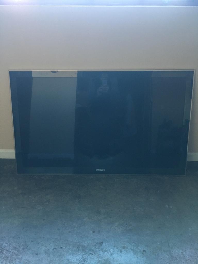 Samsung 52in LED TV