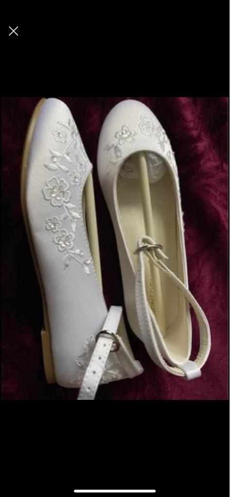 Girls white monsoon satin shoes