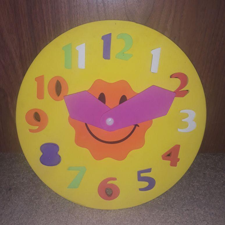 Foam teaching clock