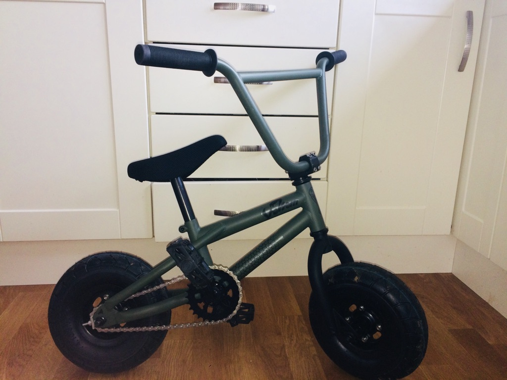 Mini bmx stunt bike