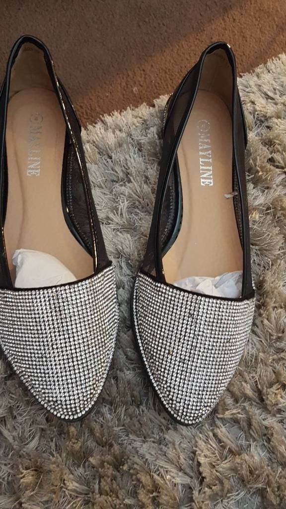 Black and diamonte flats size 4