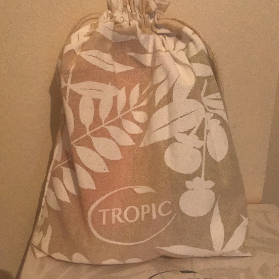 Tropic. Body wash collection.