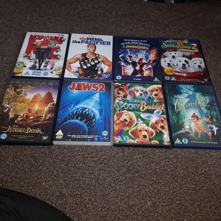 Children DVDS x39