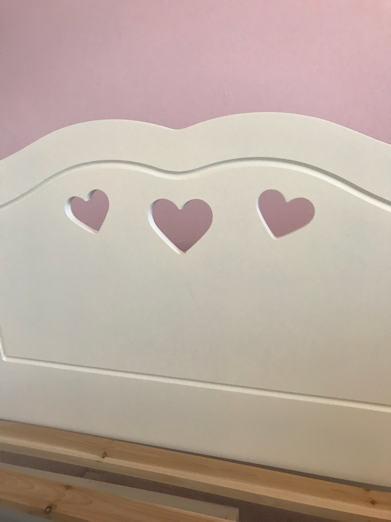 White 'heart' wooden single bed