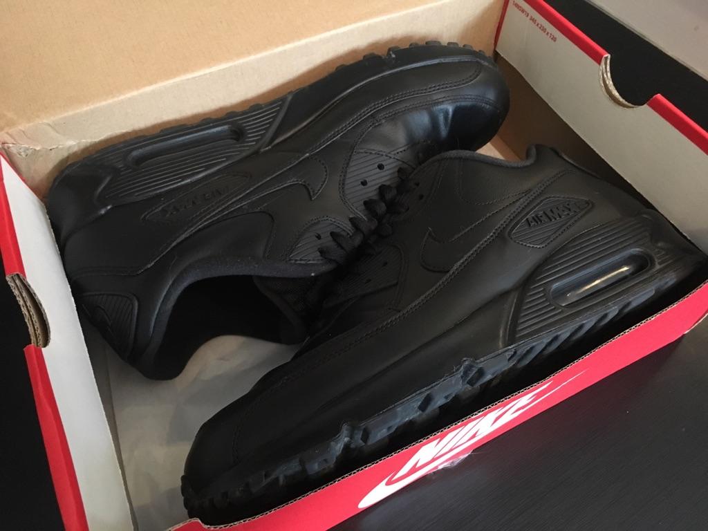 Men's Black Genuine Nike Air Max size 11