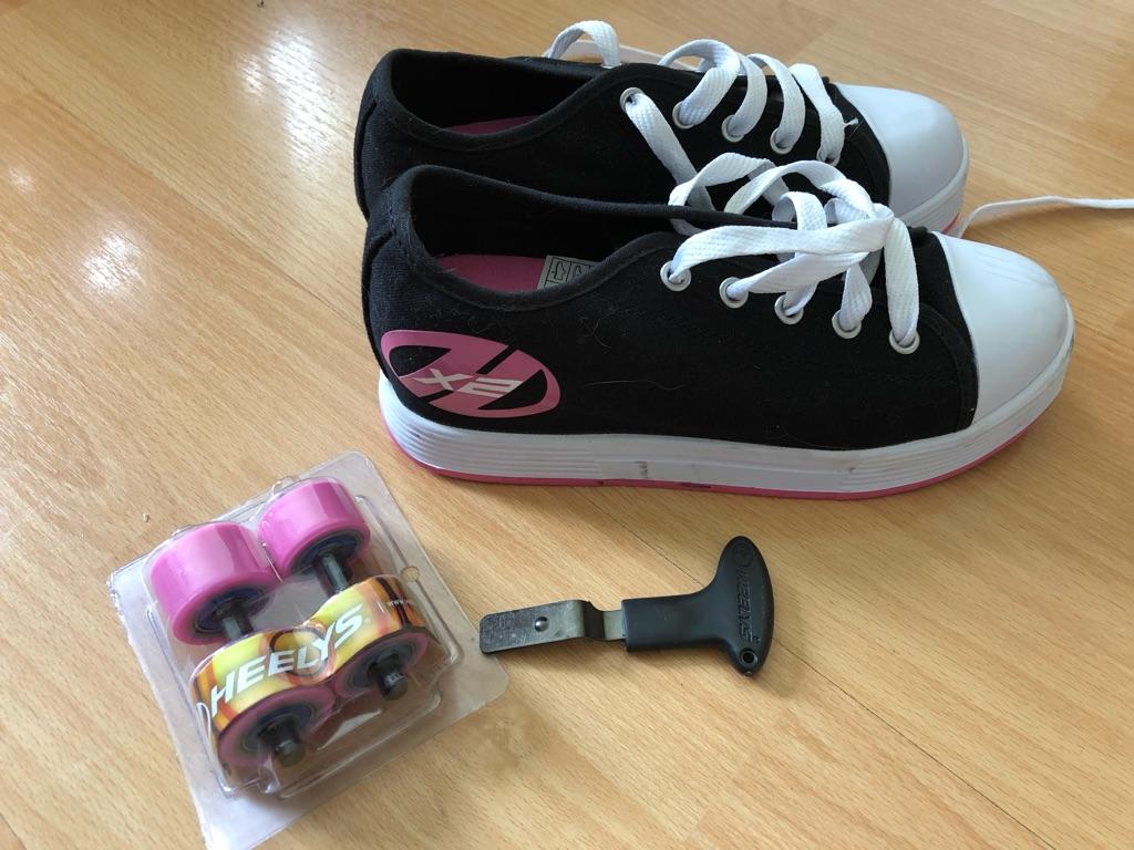 Girls Heelys - size 3