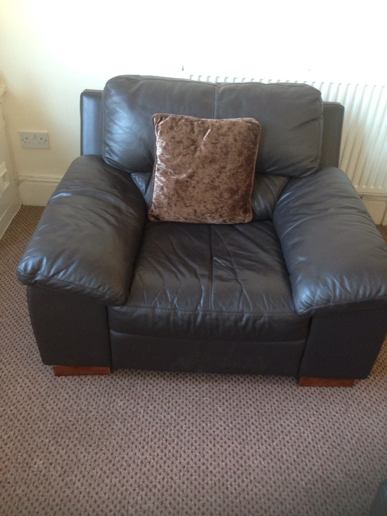 3 seater sofa and a 1 seater arm chair with free matching mirror