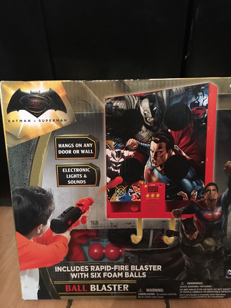 Batman V Superman ball blaster