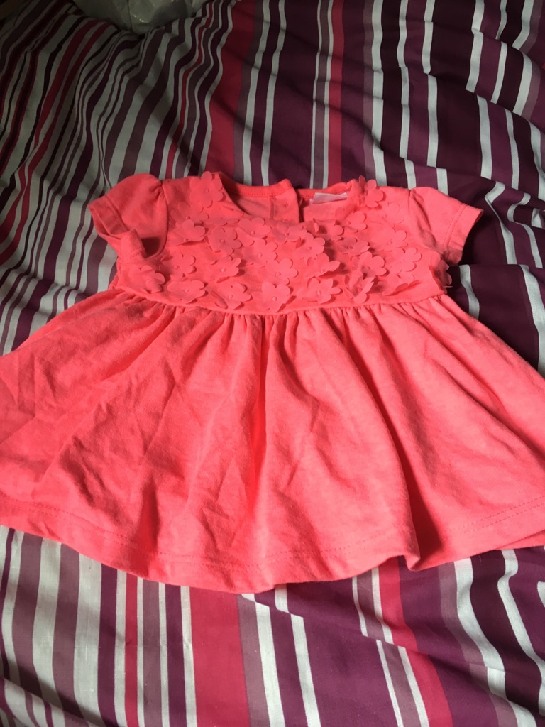 Little girls beautiful dress 0-3 months