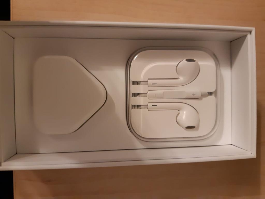 iPhone 6s 32gb unlocked almost brand new