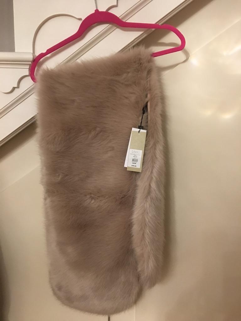 Blush faux fur scarf