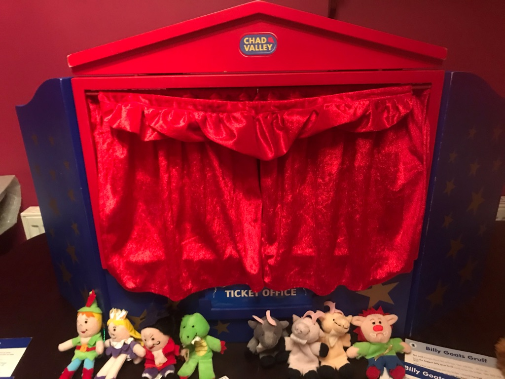 Children's Fantastic PUPPET SHOW AND PUPPETS