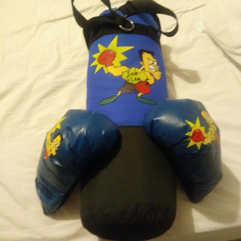 Punch bag qnd gloves