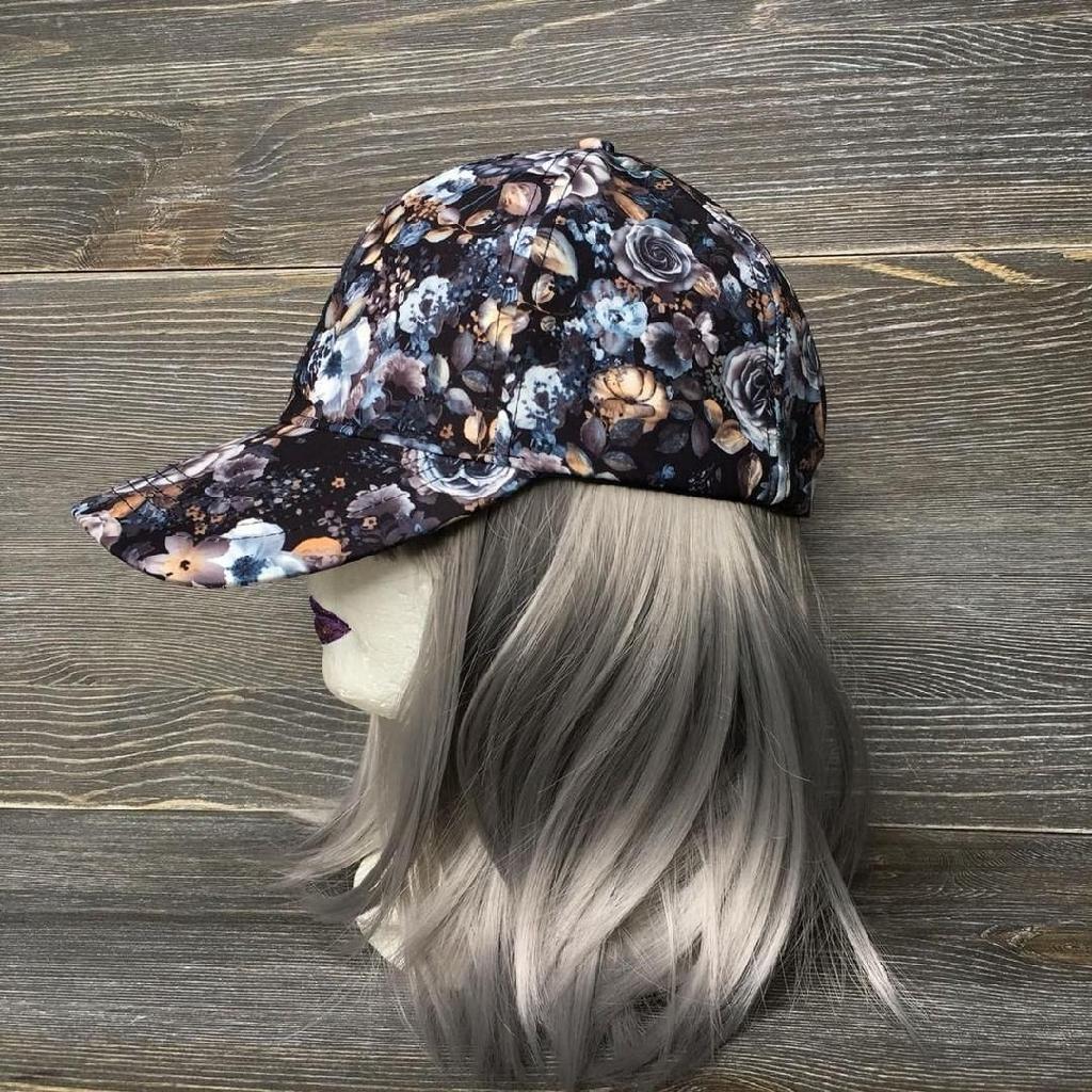 Floral adjustable hat