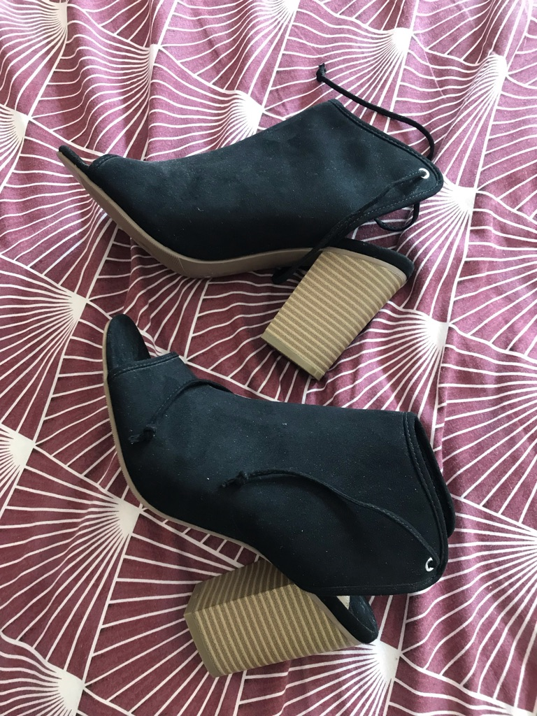Brand new black heels (DOROTHY PERKINS SIZE 5)