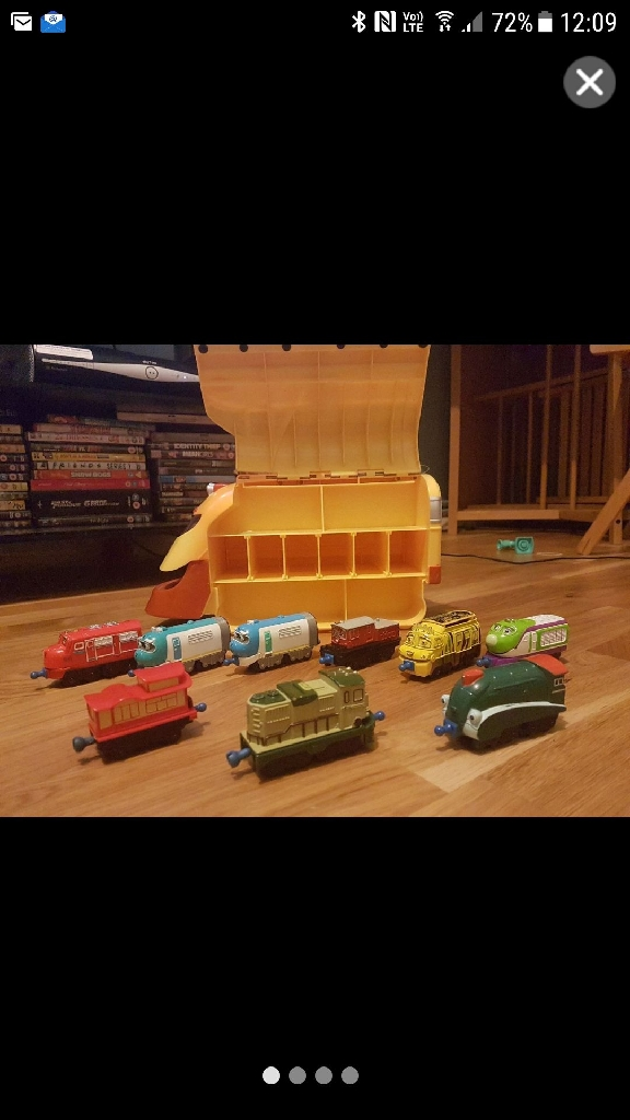 Chuggington train set ×2 and 2 carry cases with 19 trains