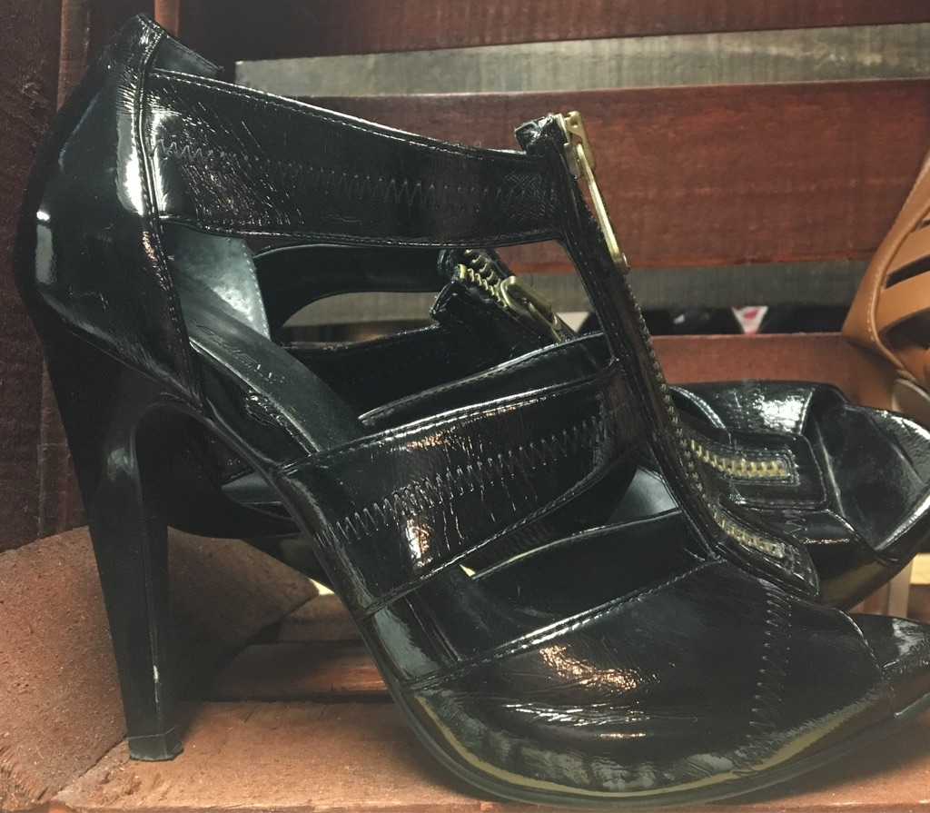 Shoes size 6.5-7.5