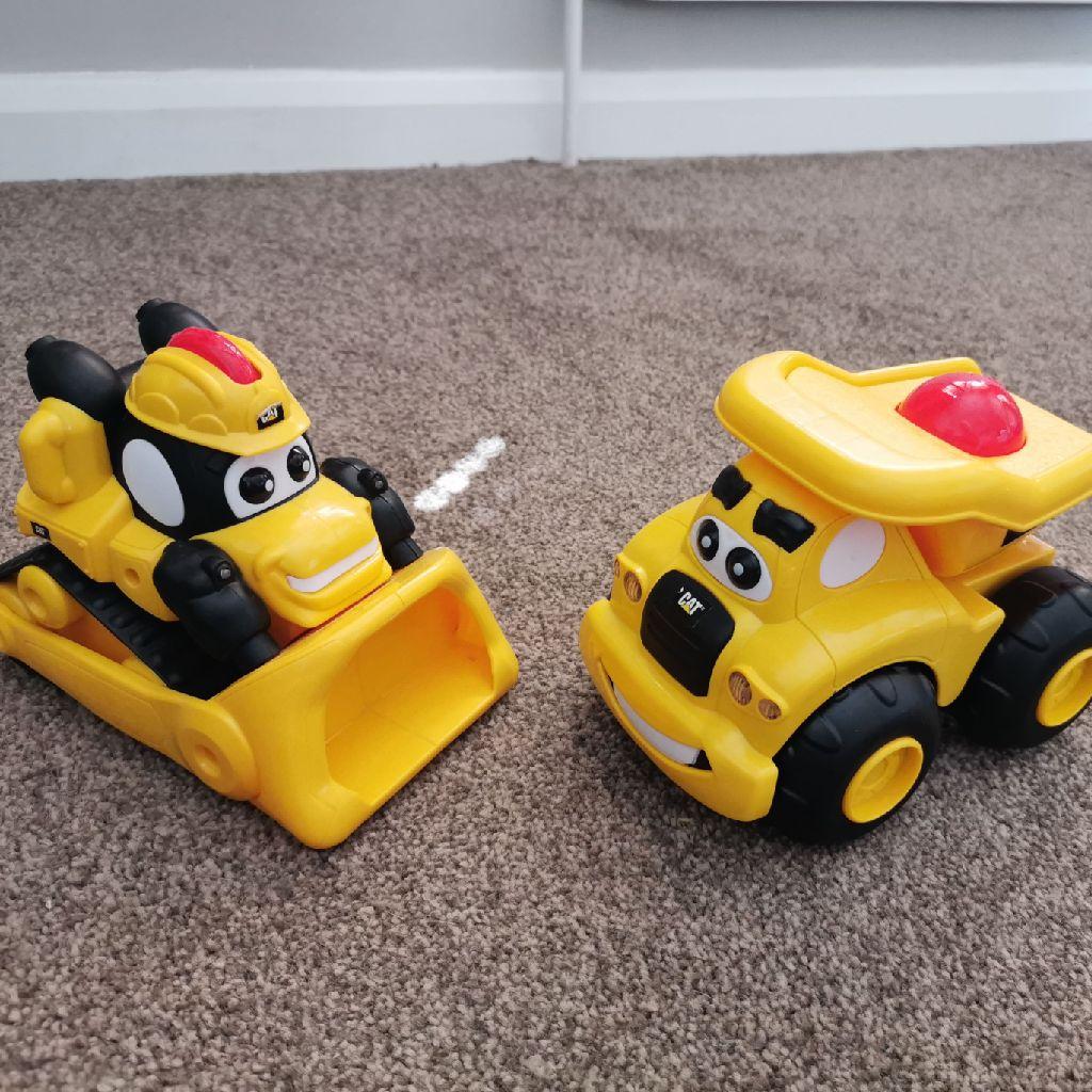 Motorised cat digger and dumper
