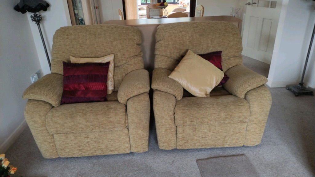 3 Seater sofa a one seater and a 1 seater with Recliner buffet with storage