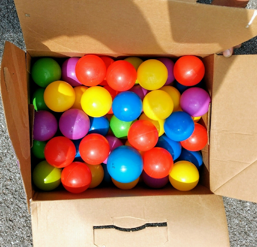100 count plastic multi-colored balls (Brand New)