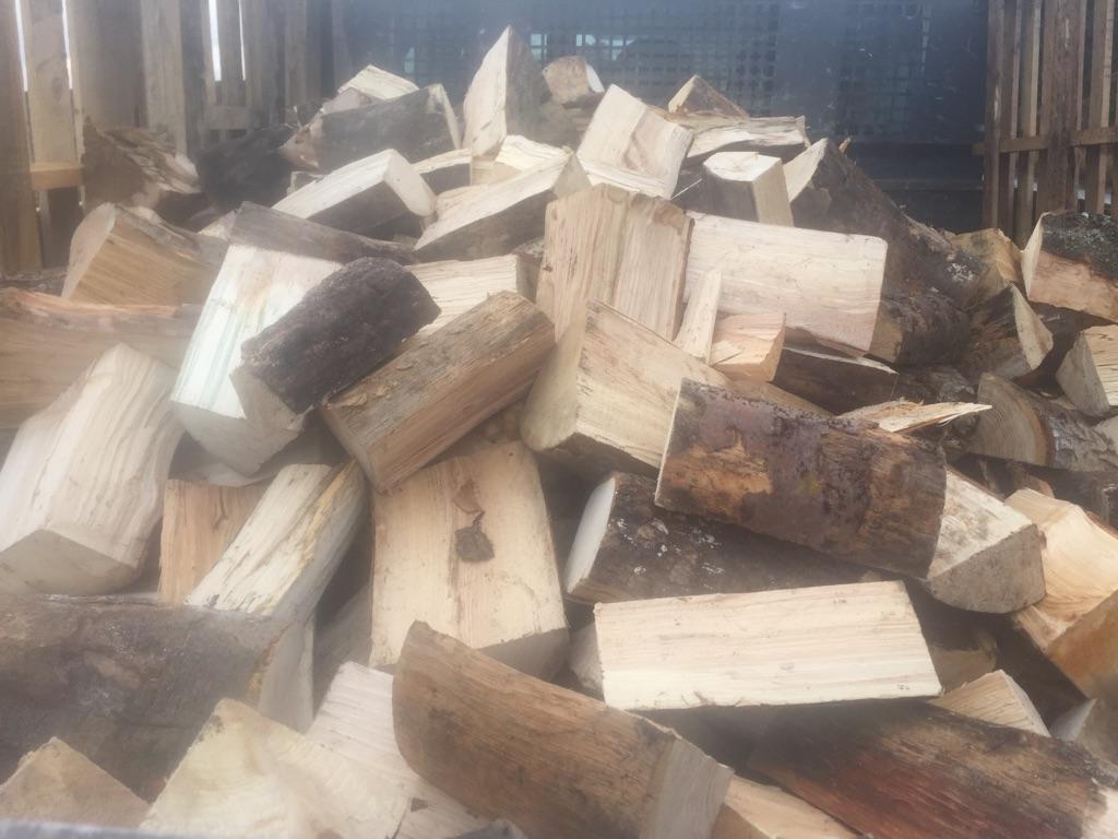 Hard wood logs already cut nd dryed