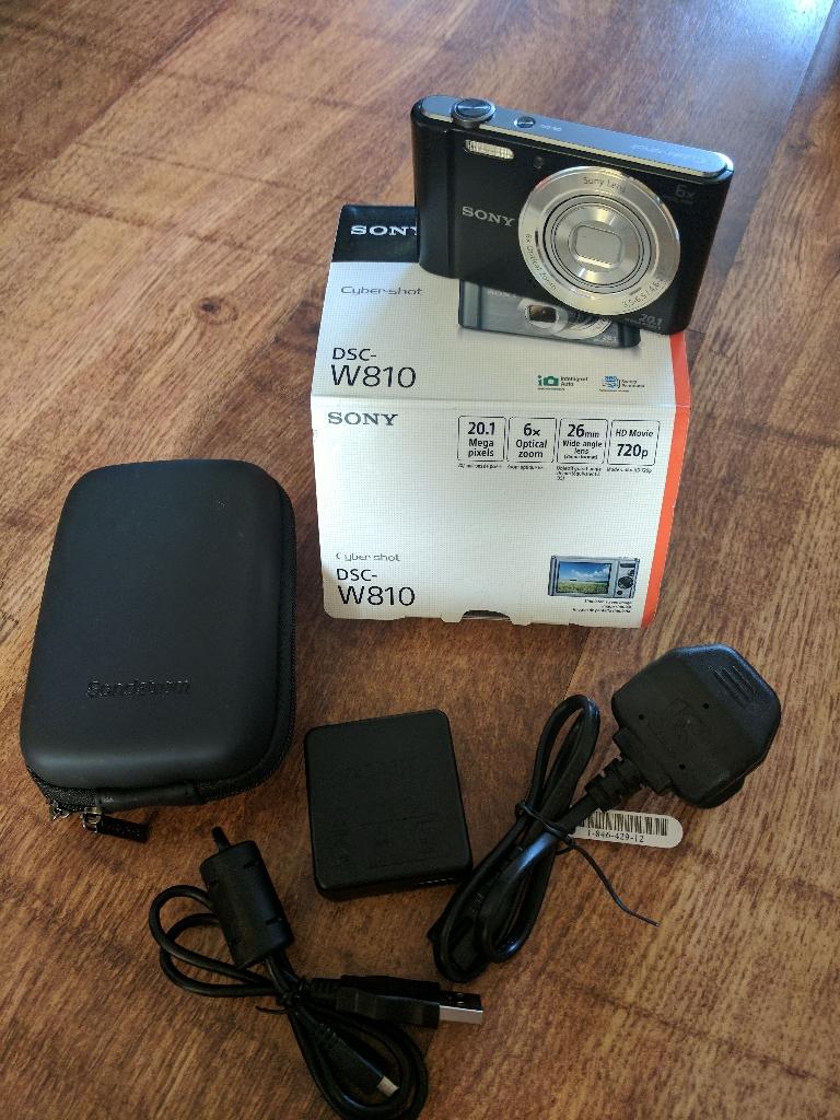 Sony cybershot 20MP camera