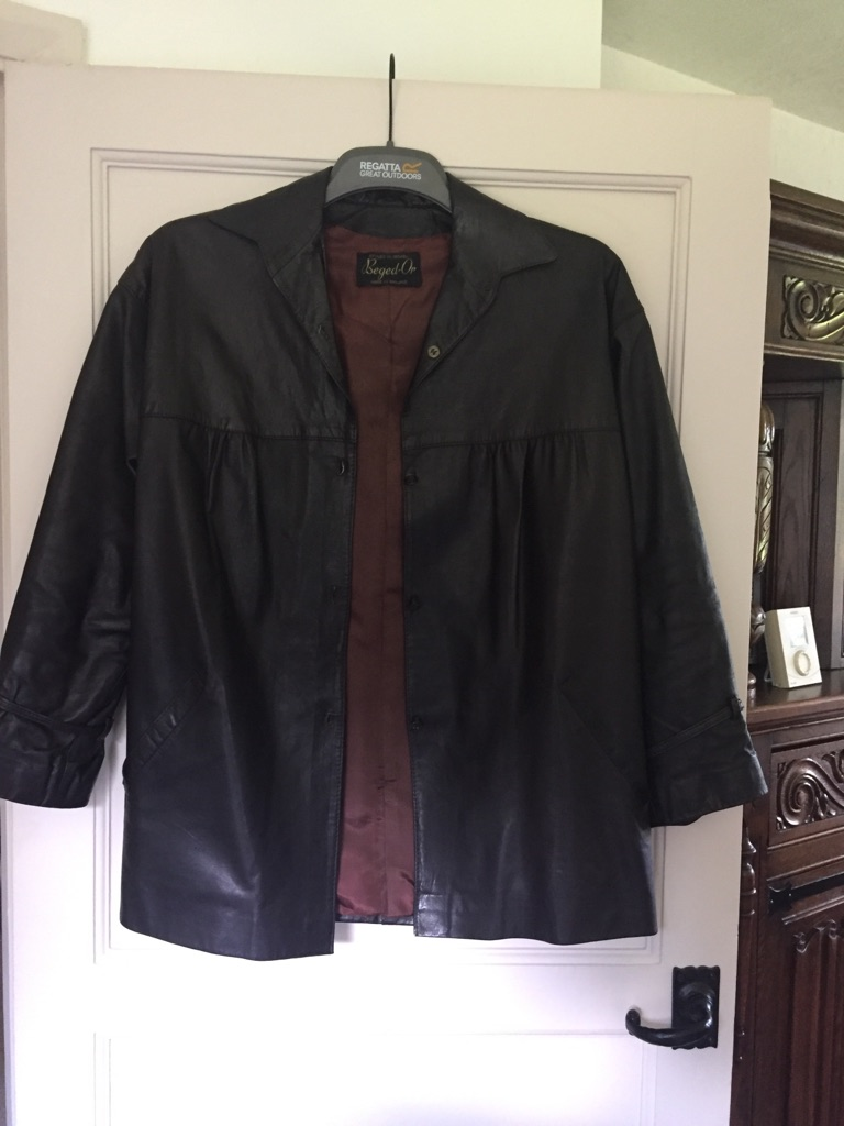 Vintage leather jacket size 10 / 12