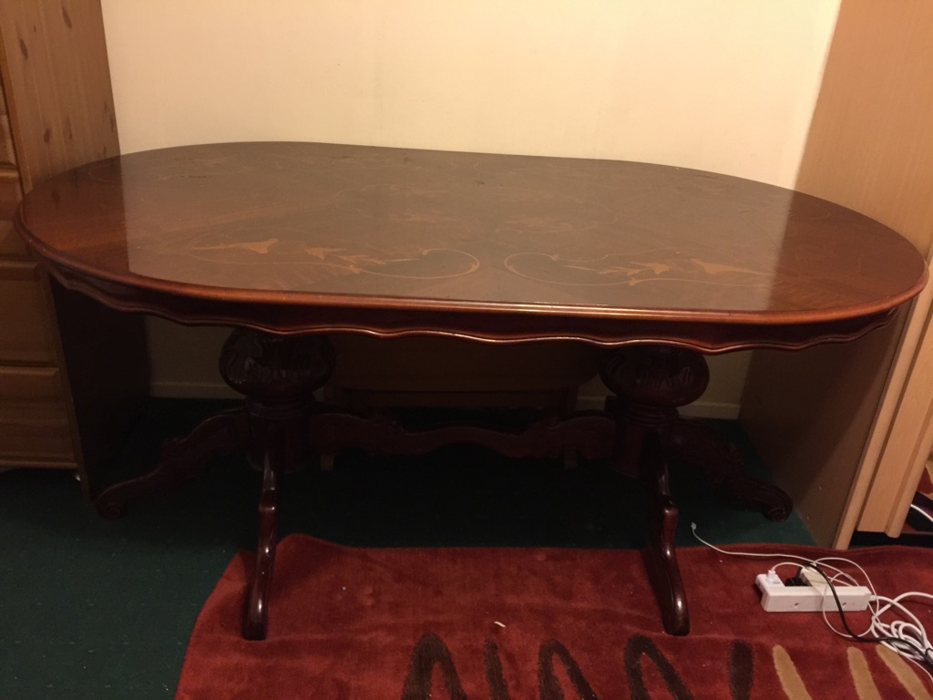 Dining solid table