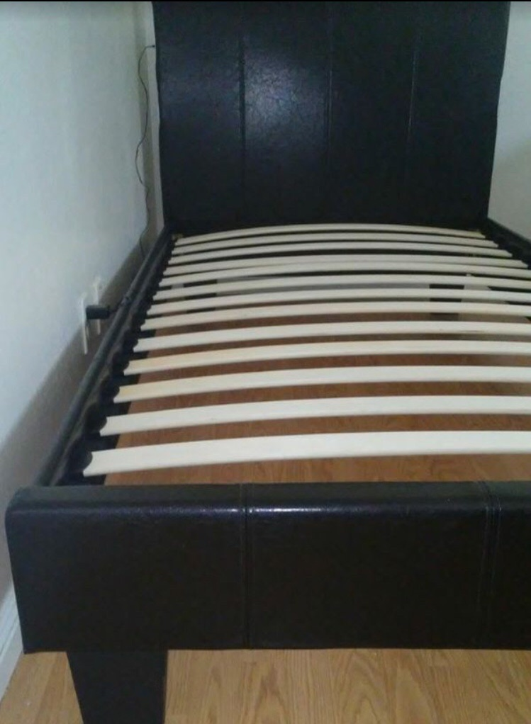 New , Twin Vynal Platform Bed