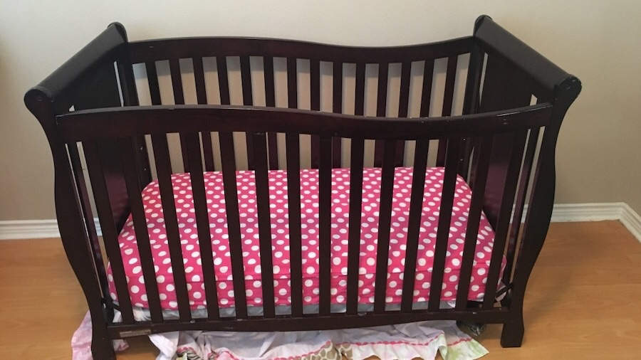 Crib + mattress