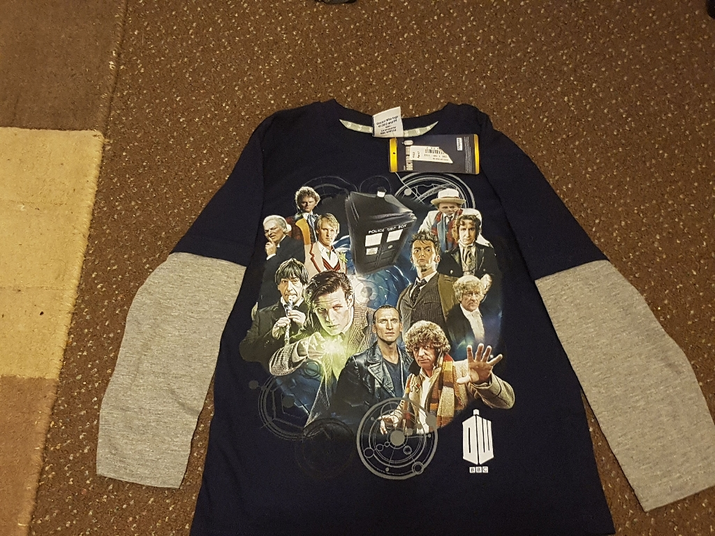 Doctor Who age 6-7 top NEW with labels