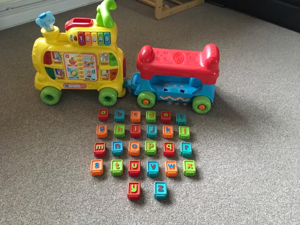 Vtech Push & Ride Musical Alphabet Train & 26 Coloured Alphabet Blocks
